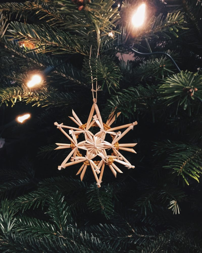 Frohe Weihnachten Familie.Frohe Weihnachten Und Besinnliche Stunden Mit Der Familie